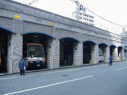 神姫バス三宮2