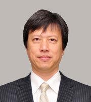 金田 峰生